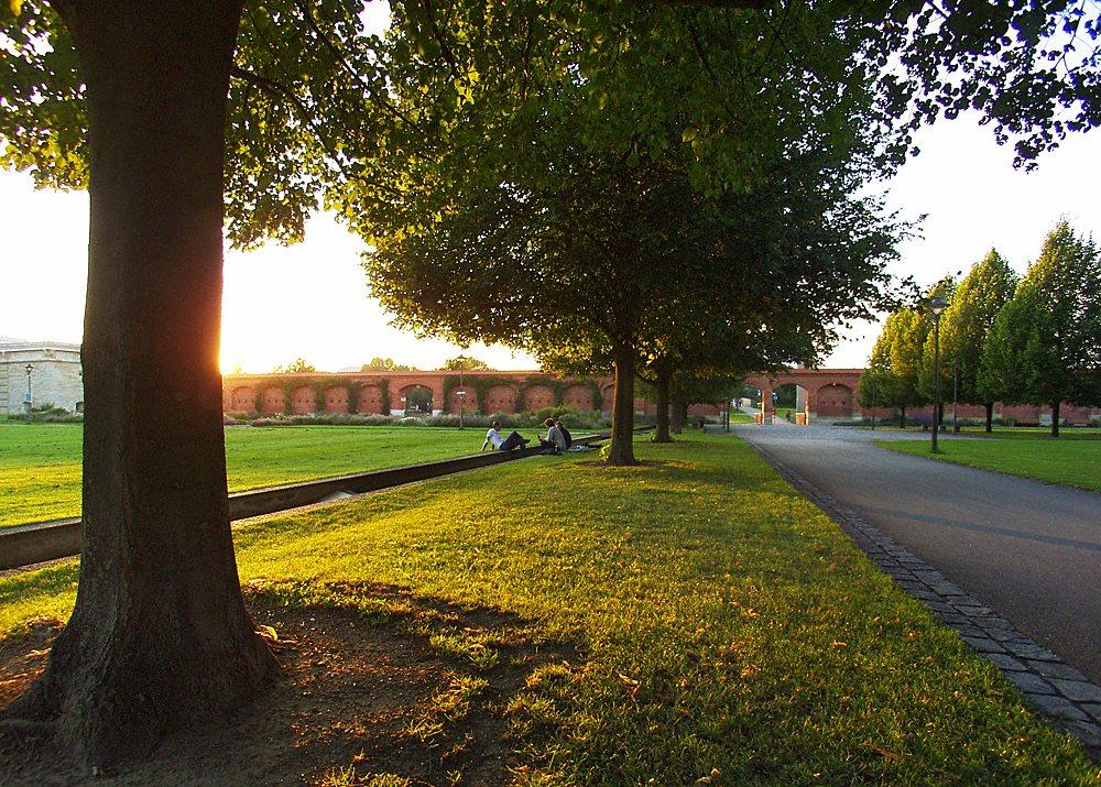 Before Sundown @ Klenzepark (Wide-Angle)