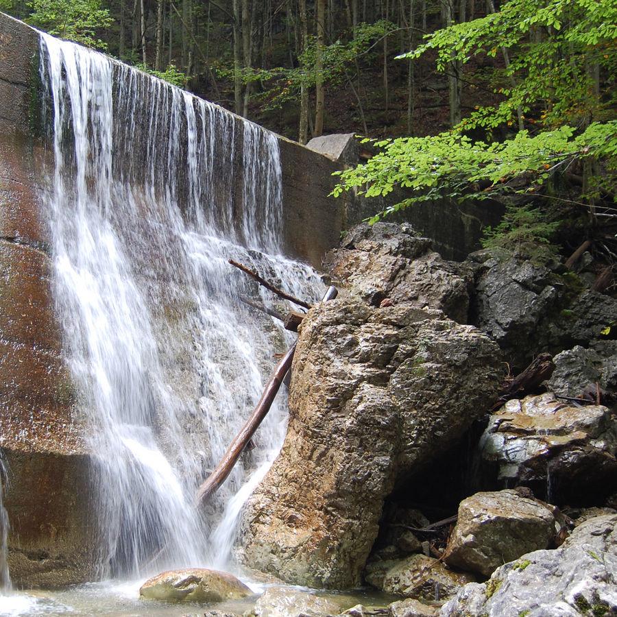 Befriedeter Wasserfall bei Kochel