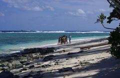 Begegnung am Strand von Anuta, Stanta Cruz Inseln
