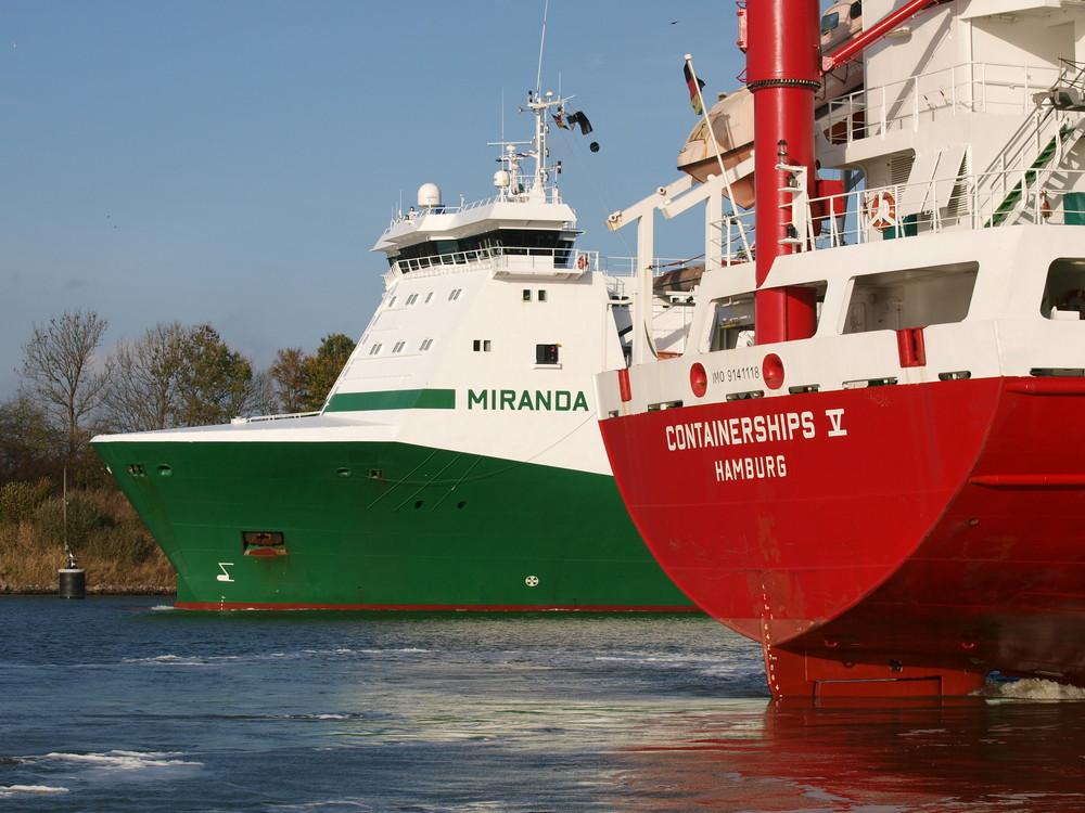 Begegnungen in der Weiche Gross Nordsee auf dem Nord-Ostsee-Kanal