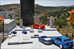. . . begraben auf kreta [7] . . . geliebt im leben – schnelle autos . . .