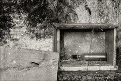 """. . . begraben auf santorin [5] . . . """"schnaps, das war sein letztes wort"""" . . ."""