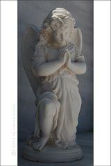 . . . begraben auf santorin [9] . . . der andächtig betende engel . . .