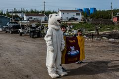 Begrüßungskomitee in Makkovik , Labrador / Canada         DSC_2244