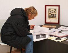 Bei einer Ausstellung 11