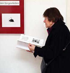 Bei einer Ausstellung 2