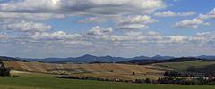 Bei guten Sichtbedingungen für den Sommer von der böhmischen Vitov- Aussicht...