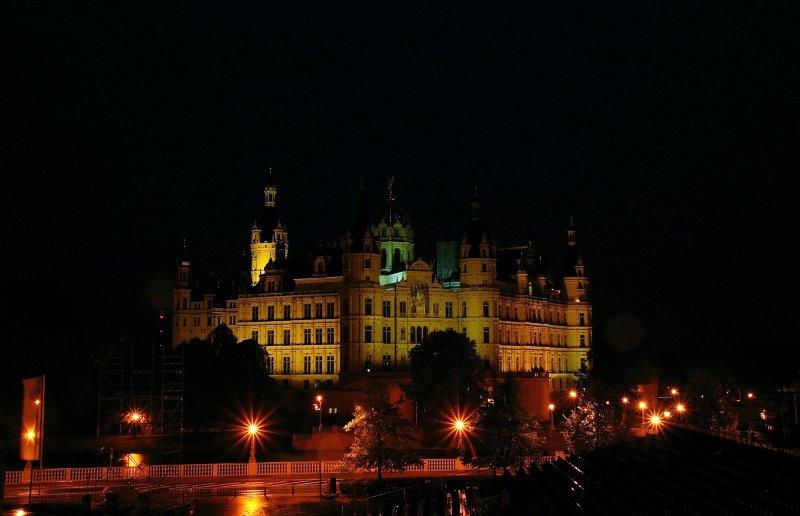 Bei Nacht Schloss Schwerin