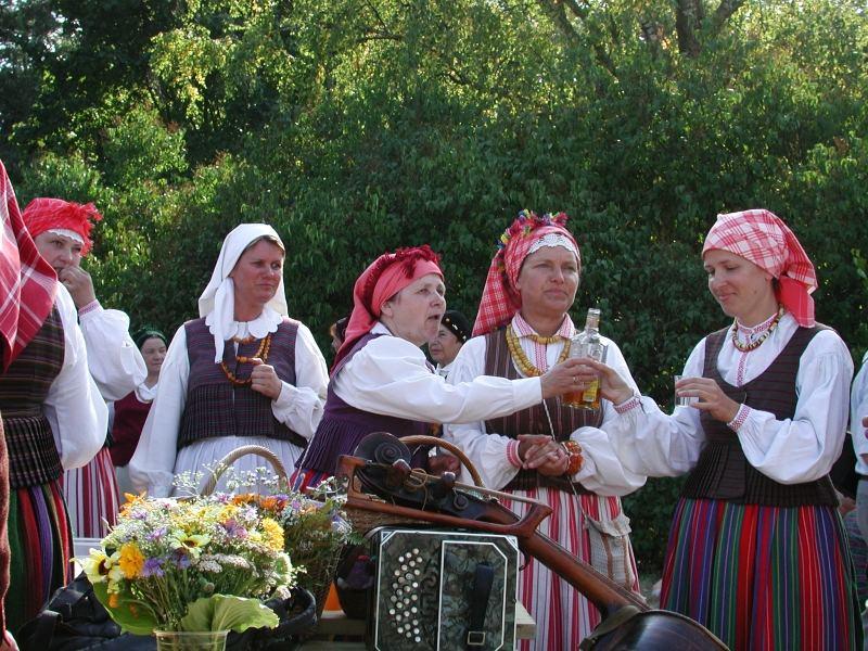 Bei soviel Folklore braucht man auch mal eine Stärkung!