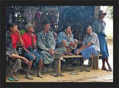 Bei starkem Tropenregen