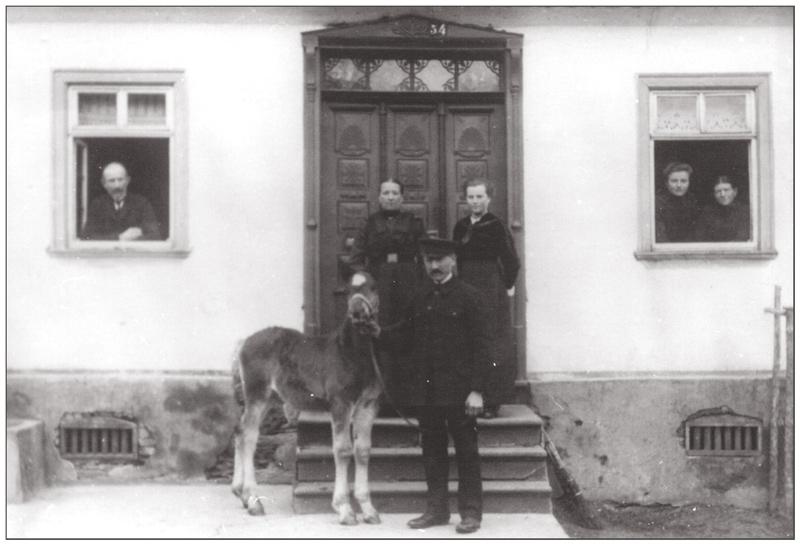 bei uns im Dorf    vermtl.  1915