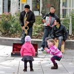 Beifall für die Straßenmusiker