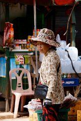 beim einkaufen, laos 2010