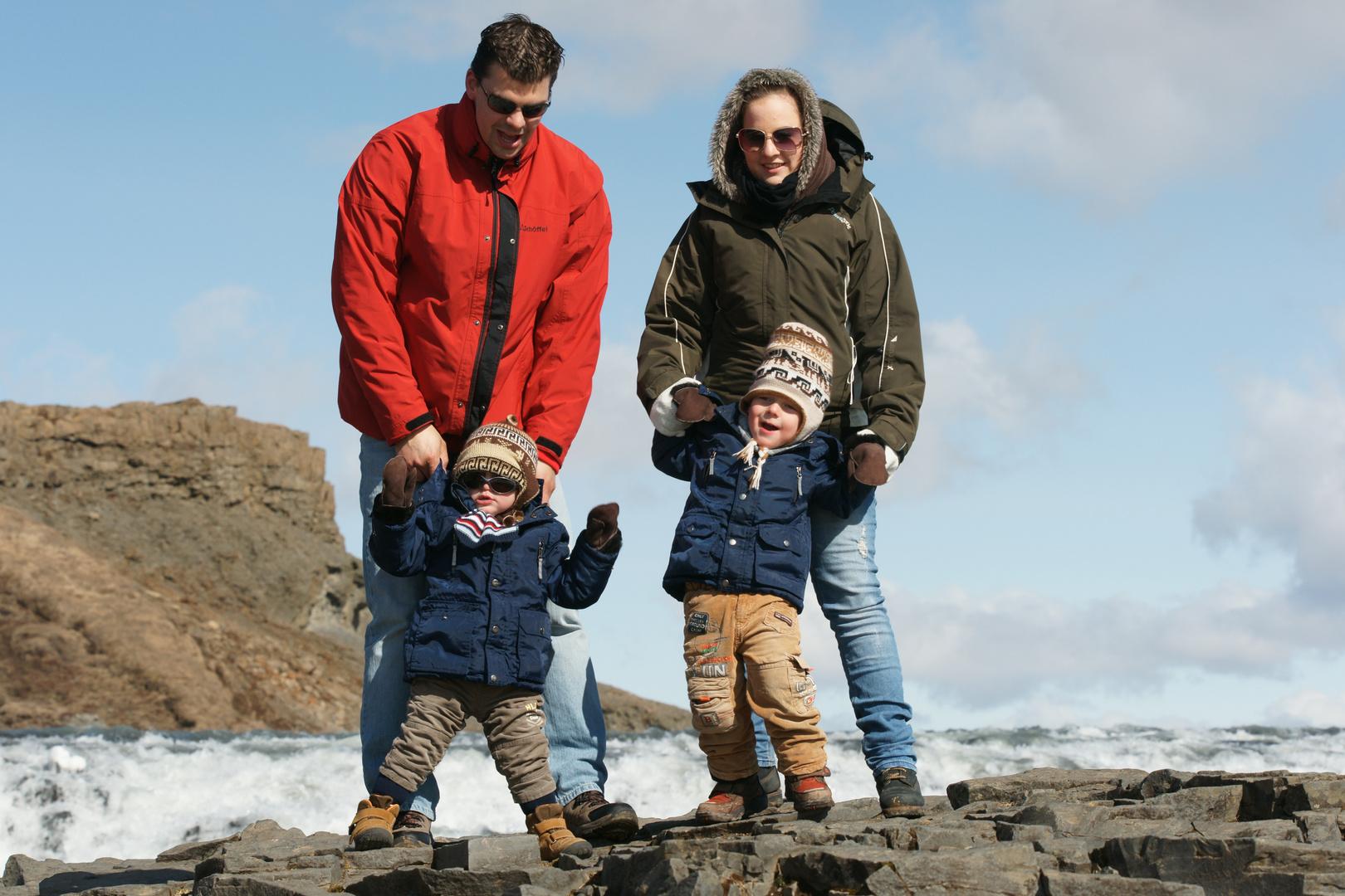 Beim Familienausflug an den Gulfoss