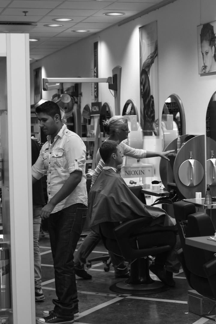 ...beim Friseur