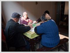 Beim Mahjongg-Spielen