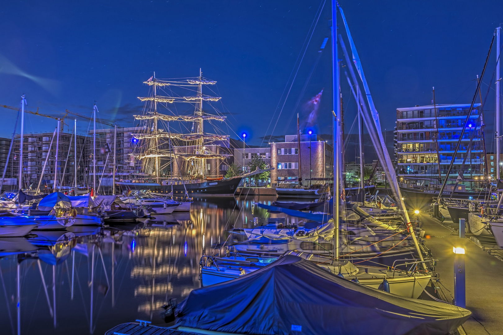 beim Stadtfest in Bremerhaven war der Hafen voller Schiffe