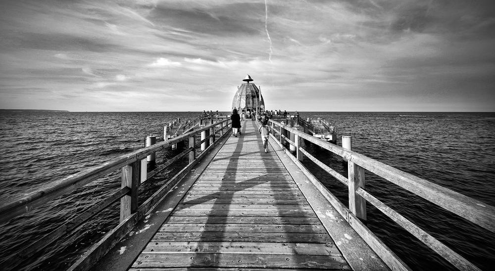 belebte Seebrücke