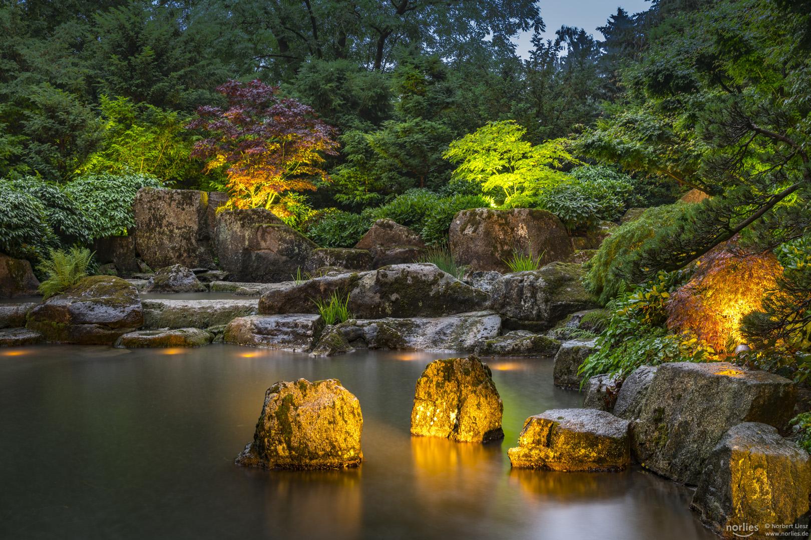 Beleuchtung im Japangarten