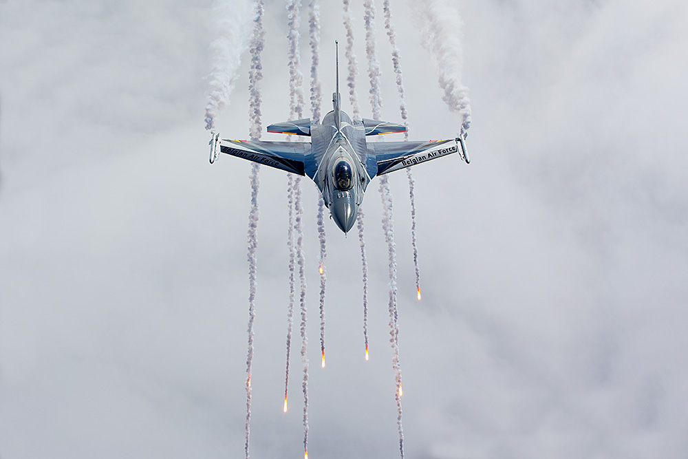 Belgian Air Force Days 2014 - The Hosts - F-16 Demo Team III
