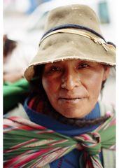 bella mujer indigena peruana
