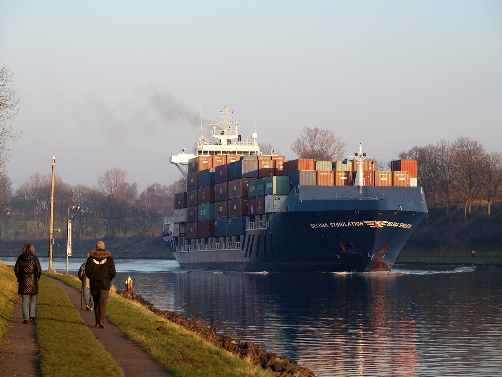 BELUGA STIMULATION auf dem Nord-Ostsee-Kanal