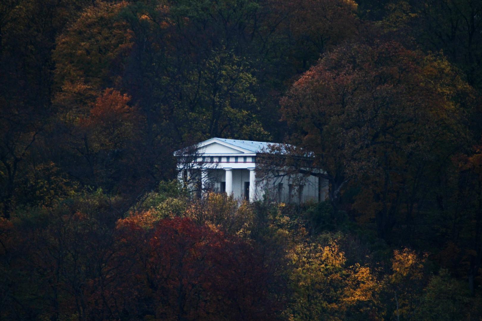 Belvedere (Neubrandenburg) im Herbst