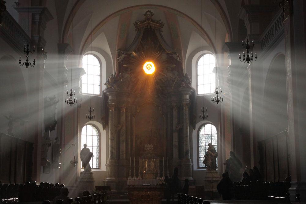 Benediktinerkirche nach dem Gottesdienst