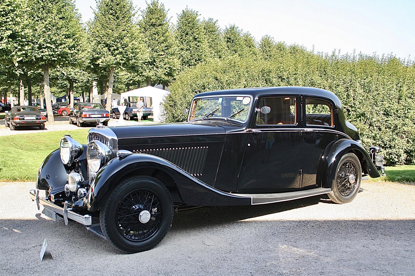 Bentley Saloon