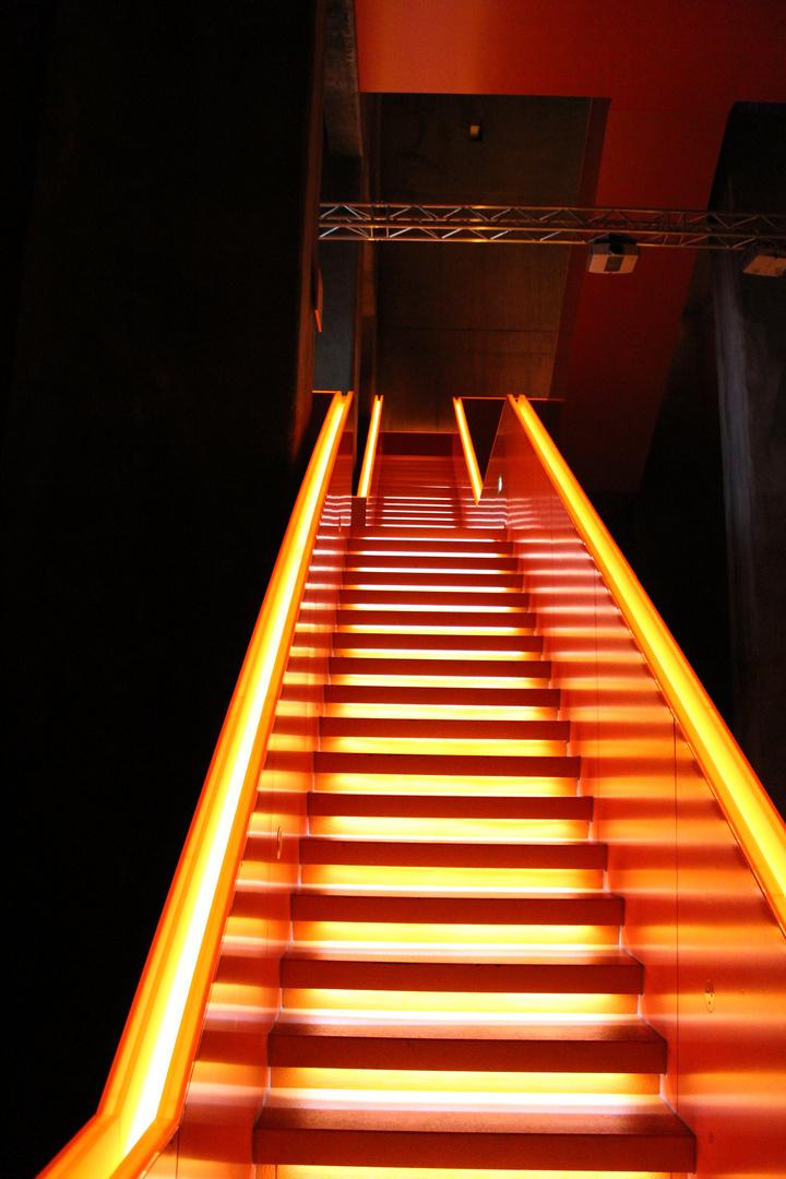 Bergauf im glühenden Licht