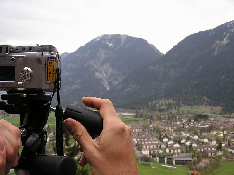 Bergaufnahme....oder doch Kameraschleichwerbung?