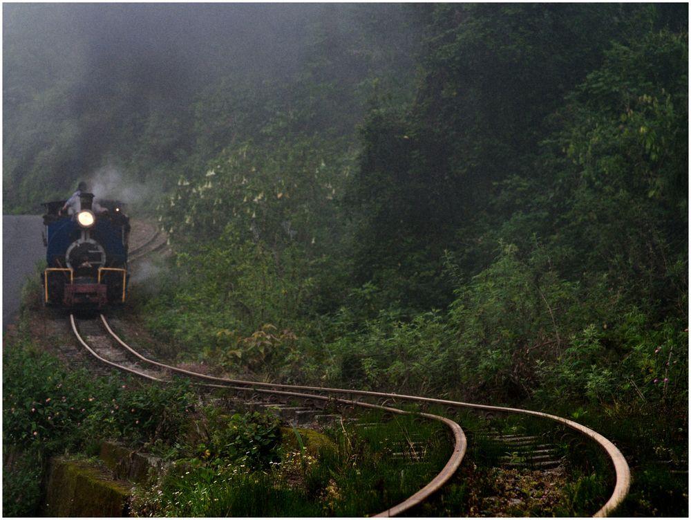 Bergbahn in Wolken