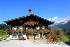 Bergdoktorhaus - vorne hui...