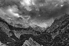 Berge mit viel Himmel