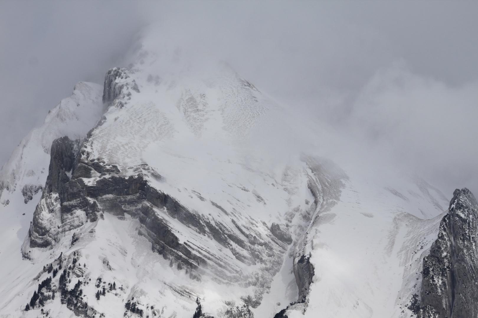 Berge Ostschweiz im Nebel