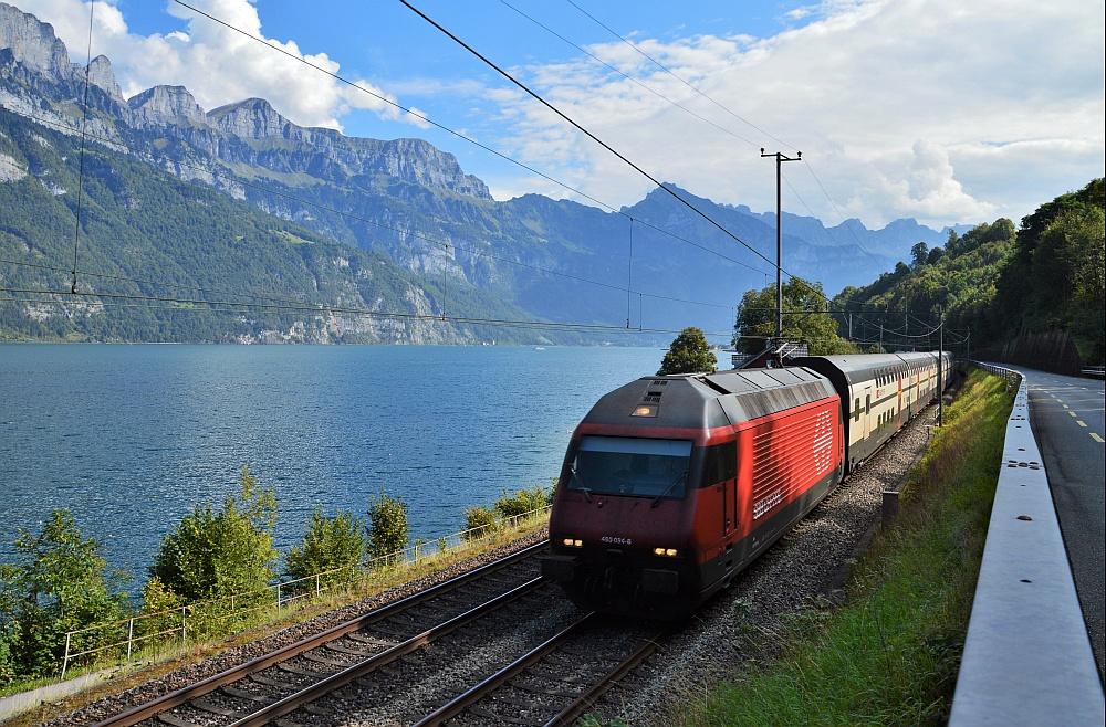 Berge See und Bahn