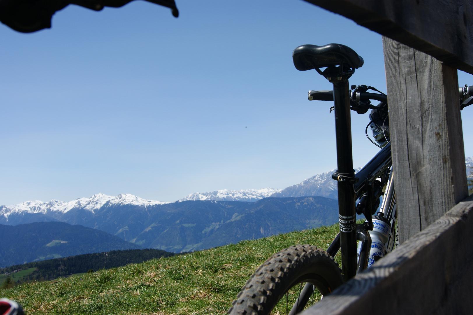 berge und Moutenbikes