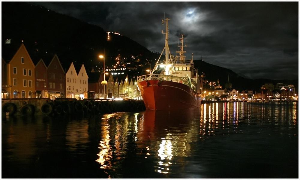 Bergen Moonlight