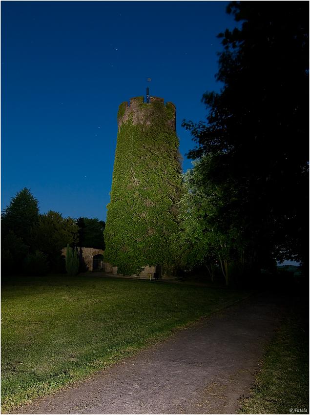 Bergfried unter'm Sternenzelt