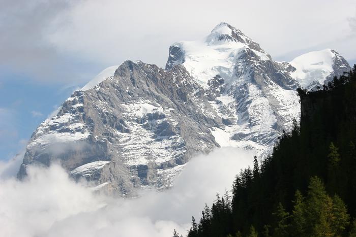 "Berglandschaft im ""Hinteren Lauterbrunnental""  (Berner Oberland / Schweiz)"