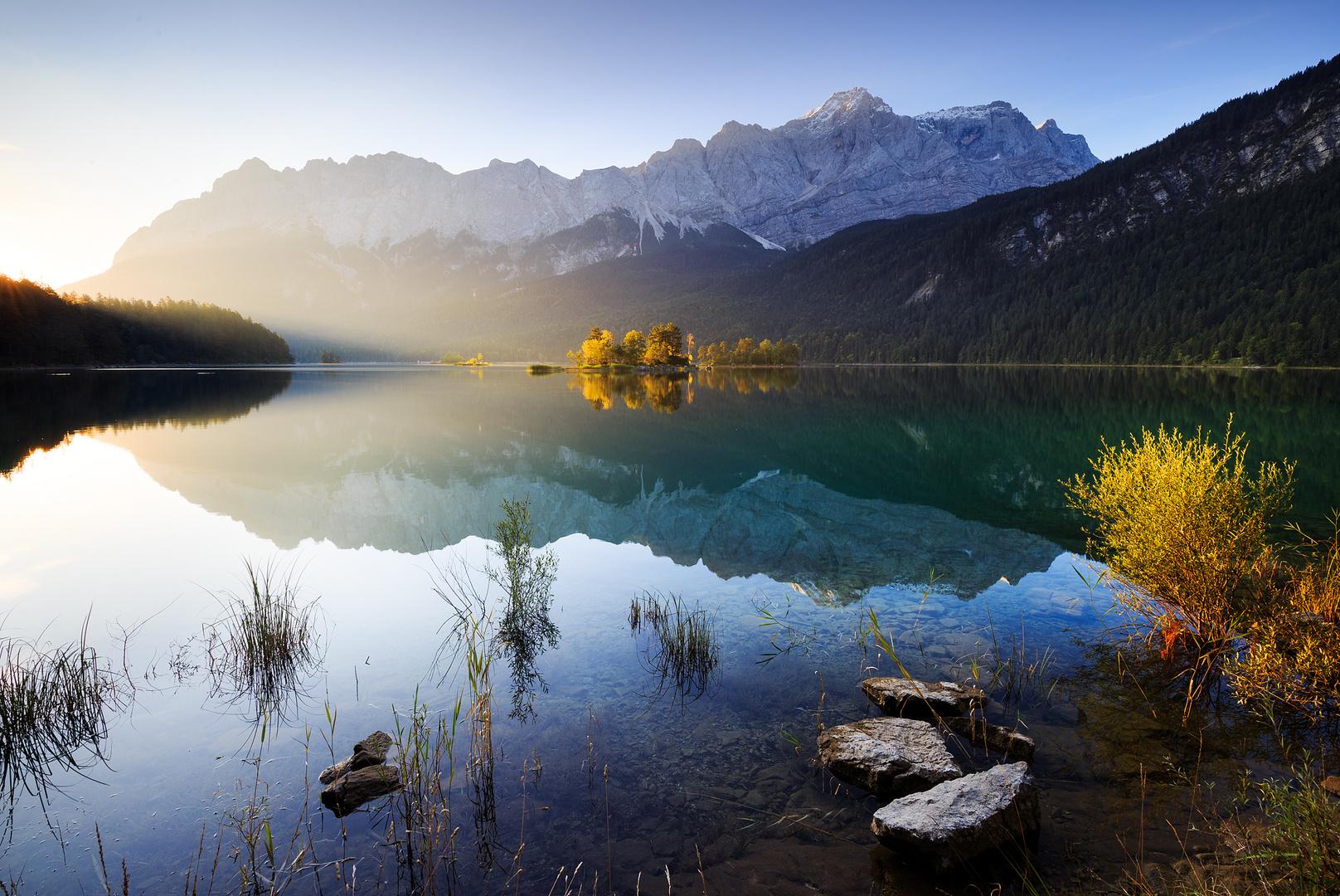 Bergsee am Morgen