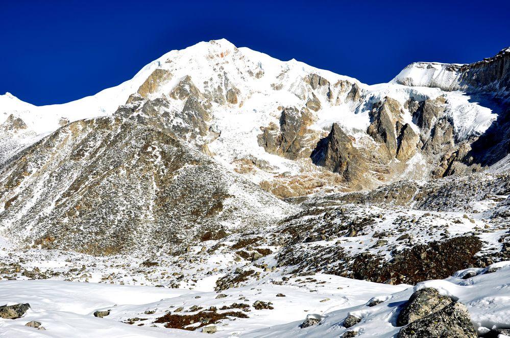 Bergsichten auf dem Weg zum Larke Pass in 4900 m Höhe