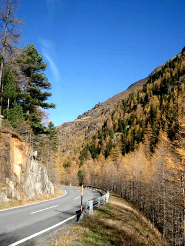 Bergstraße im Ötztal, Tirol, Österreich