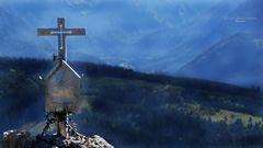 "'""Bergtour Grünten Gedenkkreuz an einen verstorbenen Wanderer am Gipfel des Burgberger Hörnle"""