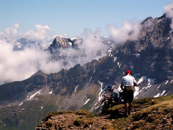 Bergtour zum Chaiserstuel - Rast am Abgrund