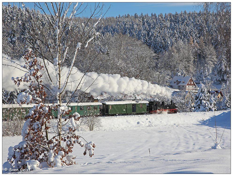 Bergwärts im frisch verschneiten Osterzgebirge