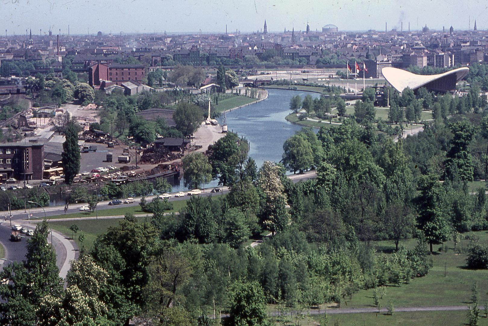 Berlin 1963, Blick von der Siegessäule Richtung Kongresshalle