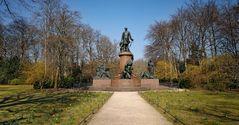 BERLIN   - Bismarck-Nationaldenkmal -