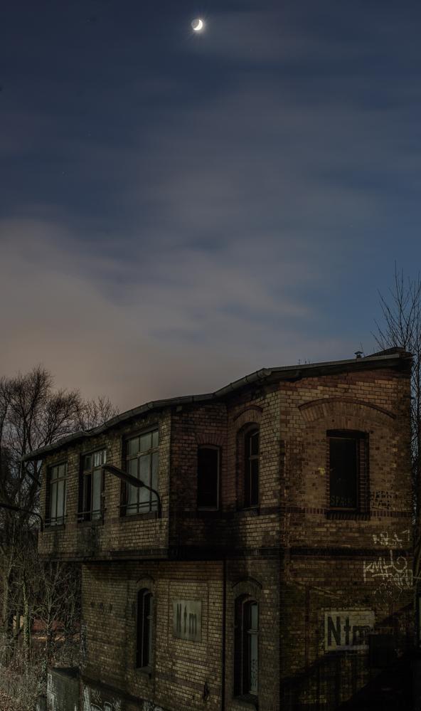 Berlin, Dezember 2014: Stellwerk (mit Mond)