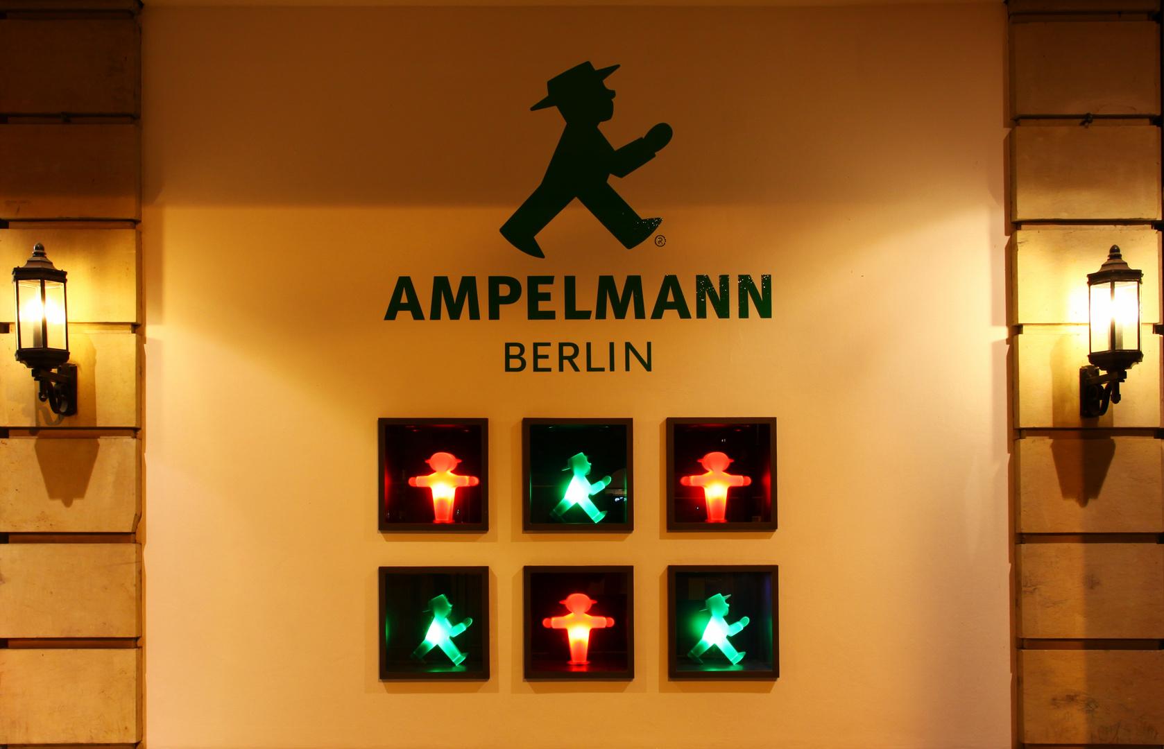 Berlin - Festival of Lights 2012 - Ampelmann